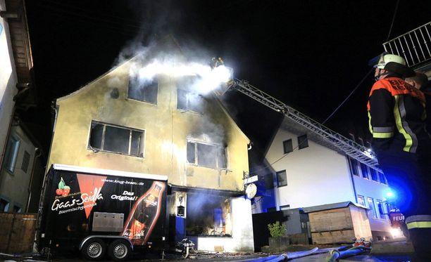 Majatalo eteläisessä Saksassa tuhoutui tulipalossa täysin.