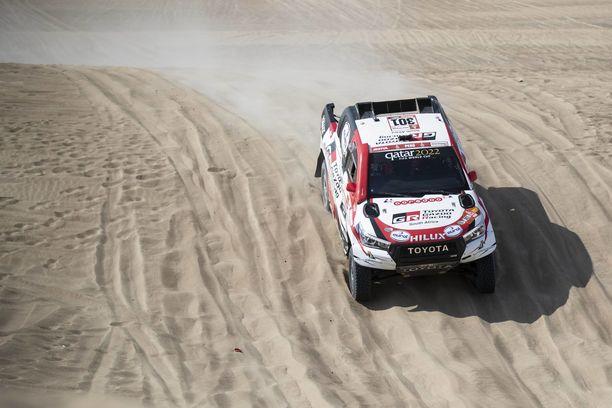 Qatarilainen Nasser Al-Attiyah voitti Toyotallaan viime vuoden Dakar-rallin Perussa.