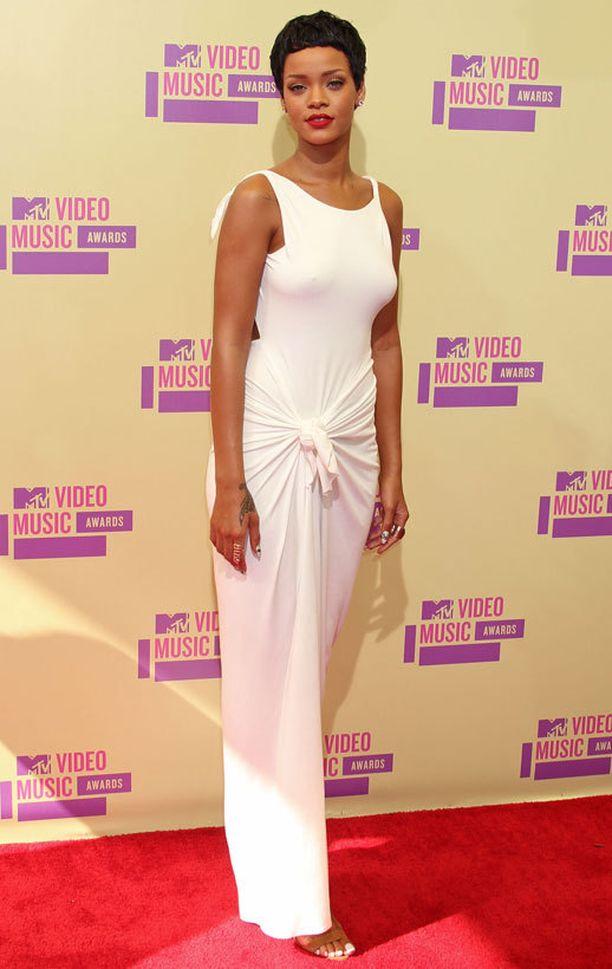 Adam Selmanin trikoomekko nähtiin Rihannan päällä VMA-gaalassa vuonna 2012.