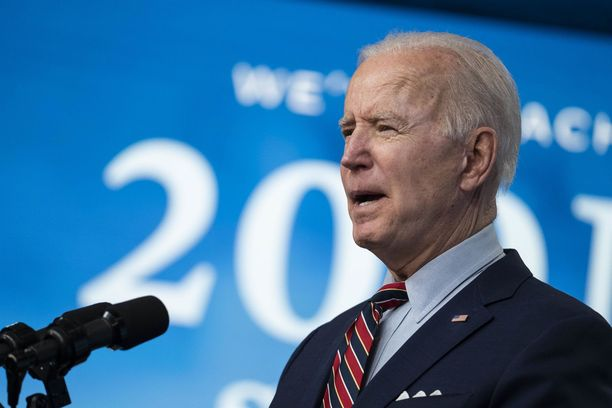 Valtaosa amerikkalaisista on tyytyväisiä Joe Bidenin presidenttikauden alkuun.