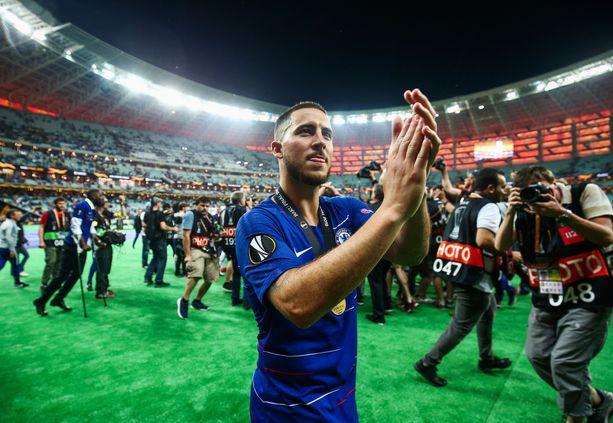 Eden Hazard kiitti noin 4000 kilometrin pelireissulle lähteneitä Chelsea-faneja finaalin jälkeen.
