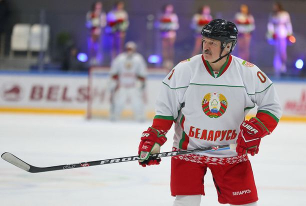Suomalainen jääkiekko ei voita mitään sillä, että se lähtisi noin vain mukaan kisoihin maahan, jota Alexandr Lukashenka johtaa yhä itsevaltaisemmin, kirjoittaa Erja Yläjärvi.