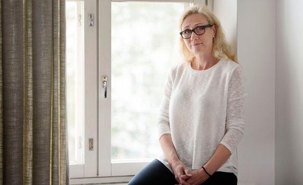 Anneli Auer kertoo Murhalesken muistelmat-kirjassaan, että Lahti tuli kotiin illalla yhdeltätoista.