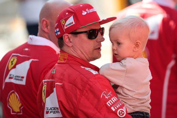 Robin Räikkönen on siivittänyt isänsä uran uuteen loistoon.