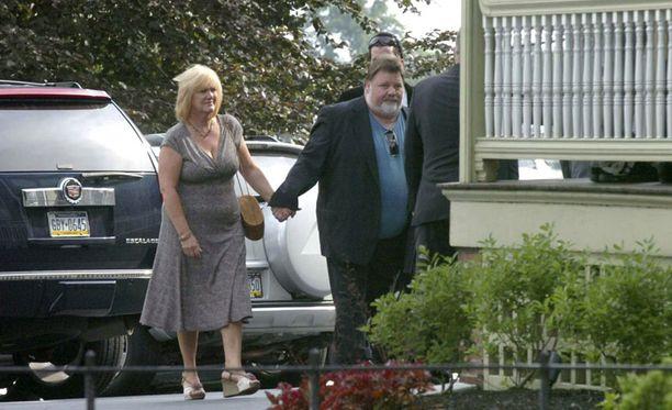 April ja Phil Margera pitivät Dunnia omana poikanaan.