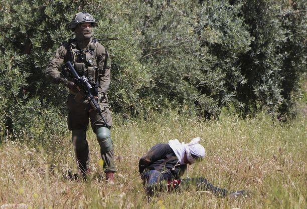 Israelin puolustusvoimat kertoo tutkivansa ampumistapausta.