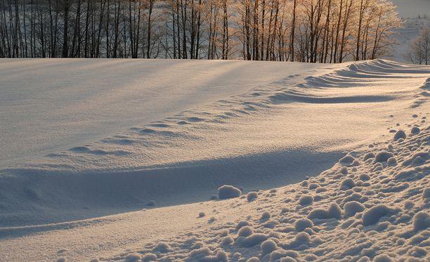 Mies jätti tyttöystävänsä lumeen kuolemaan Venäjällä Komin tasavallassa. Kuvituskuva.