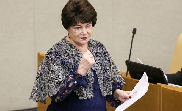 Venäjän kommunistipuolueen jäsen Tatjana Pletnjova pelkää lasten joutuvan syrjityiksi.