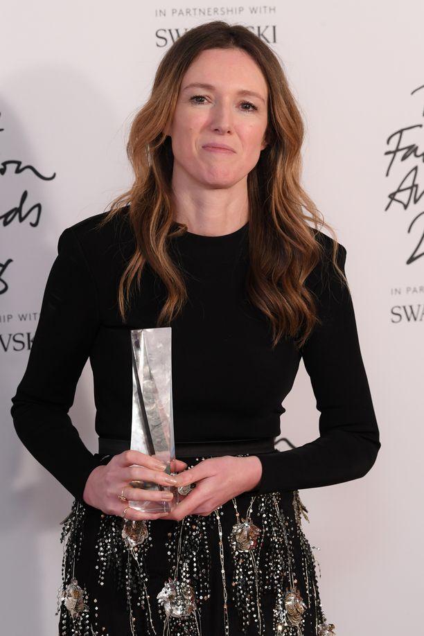Clare Waight Keller palkittiin vuoden suunnittelijana.