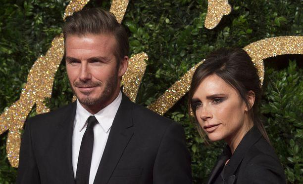 Beckhamit ovat olleet naimisissa ensi kuussa 19 vuotta. Heillä on kolme poikaa ja yksi tytär.
