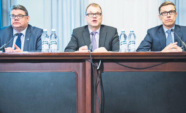 Timo Soini, Juha Sipilä ja Alexander Stubb kertovat hallitusohjelmasta.