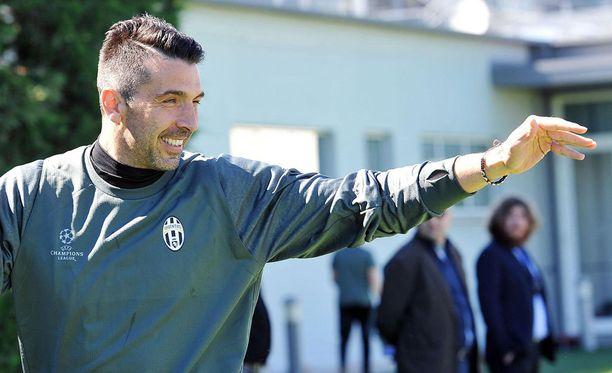 Juventuksen maalivahti Gianluigi Buffon himoitsee Mestarien liigan voittoa.