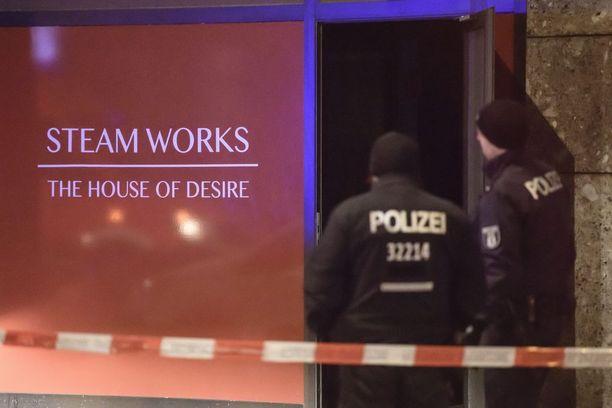 Homoyhteisön suosima saunaklubi syttyi tuleen Berliinissä.