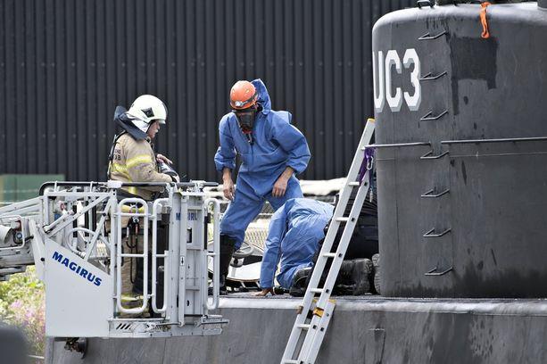 Myös sukellusveneen tutkintaa on jatkettu.