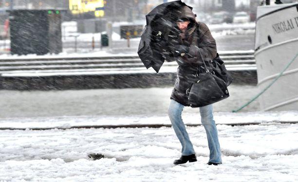 Koko maassa voi tulla sunnuntaina lunta tai räntää.