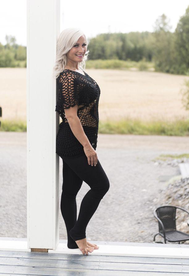 Rita Niemi-Mannisen viidestätoista raskauskilosta on jäljellä enää viisi. Olo on tasapainoinen ja hyvä - kilot ovat sulaneet omalla painollaan.