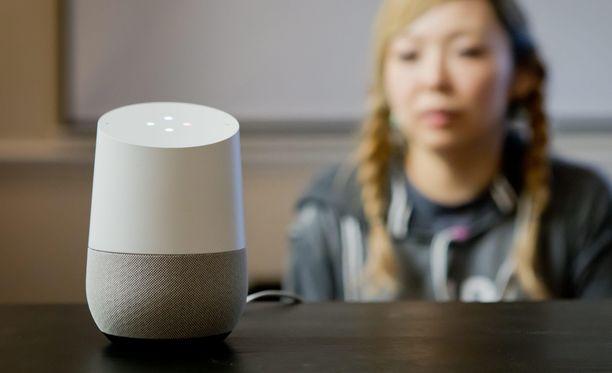 Googlen älykaiuttimille voi antaa äänikomentoja.