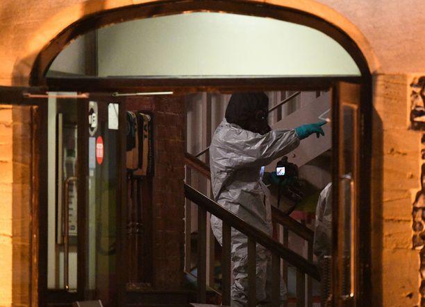 Myrkylle saattoi altistua kymmeniä ihmisiä. Salisburyssa olevaa pubia tutkittiin tällä viikolla.