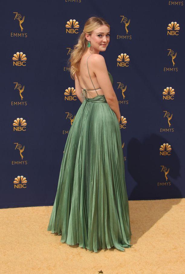 Dakota Fanning pukeutui Dior Houte Couture -mekkoon.