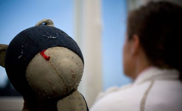 Lastensuojelun parissa työskentelevät ovat huolissaan ennaltaehkäisevän työn tilasta.