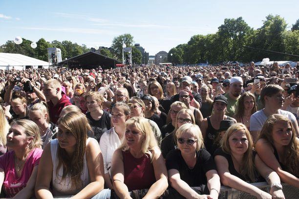 Suomipopin konserteissa Helsinki-päivänä on aina rutkasti yleisöä. Kuva vuodelta 2018.