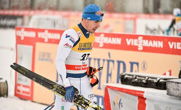Ristomatti Hakola hiihti vakuuttavasti ensimmäisessä erävaiheessa.