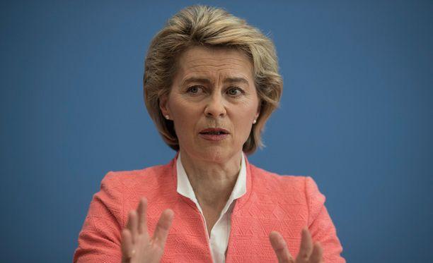 Saksan puolustusministerin Ursula von der Leyenin mukaan maa ei ole Natolle velkaa.