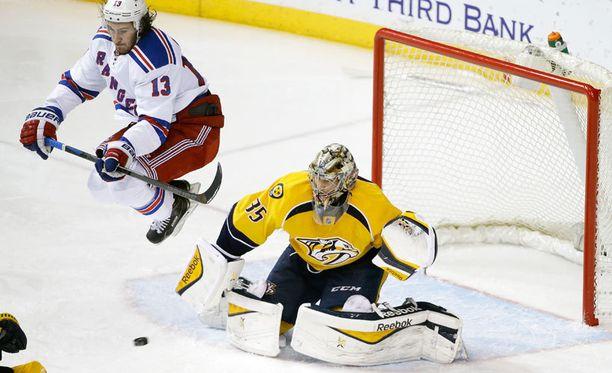 Pekka Rinne oli iskussa New York Rangersia vastaan.