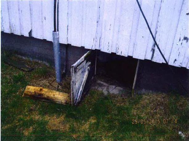 Talon alaosan rakenteet kärsivät pahoja vesivahinkoja.