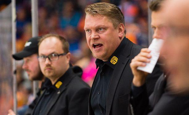 Pekka Virran KalPa on häviöllä finaalisarjaa voiton 2-3.