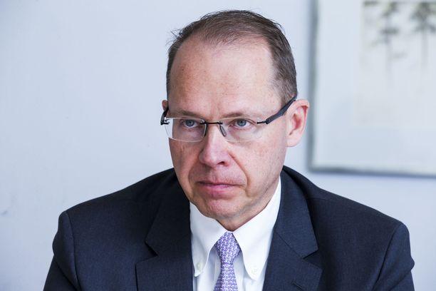 Postin toimitusjohtaja Heikki Malinen ansaitsi viime vuonna lähes miljoona euroa.