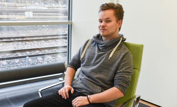 Kimmo Frisk istui 6 kuukautta elämästään kaivurin kopissa vuonna 2011.