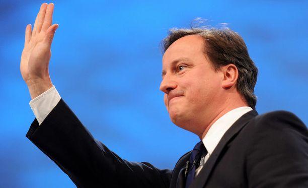 David Cameron eroaa parlamentista.