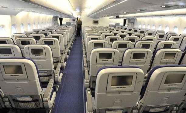 Monet Lufthansan lentokoneiden penkit jäävät lakobn vuoksi tyhjilleen.