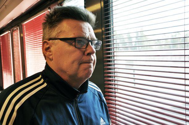 Jari Aarnion ura ja rikokset ovat olleet esillä mediassa vuosikausien ajan. Kuvassa Jari Aarnio Vantaan vankilassa.