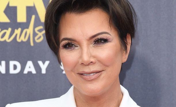 Kris Jennerillä on kaksi lasta avioliitosta Caitlyn Jennerin kanssa. Lapset Kendall, 22, ja Kylie, 20, ovat myös tunnettuja seurapiiritähtiä.
