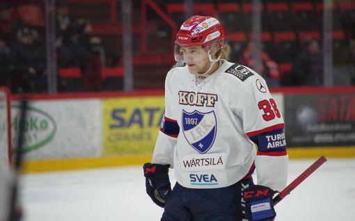 """Mika Myllylän Wiljami-pojan, 18, SM-liigadebyytti herätti huomiota – """"Ei minusta kirjoitettaisi, ellei isäni olisi, kuka hän oli"""""""