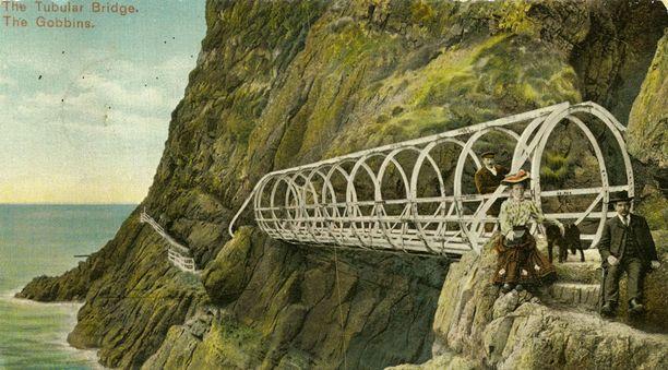 Gobbinsin kalliopolku oli suosittu matkakohde 1900-luvun alussa. Sen sillat edustivat aikansa insinööritaidon huippua.