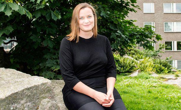Yksi Feministisen puolueen kolmesta puheenjohtajasta on Katju Aro.