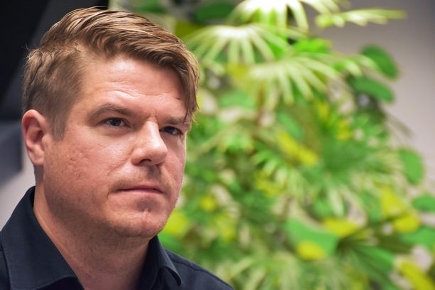 Radio Rockin aamushow'sta tuttu Jussi Heikelä jätti tänään perjantaina Korporaatio-ohjelman.