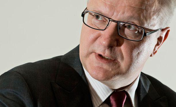Talouskomissaari Olli Rehn vastaa kritiikkiin.