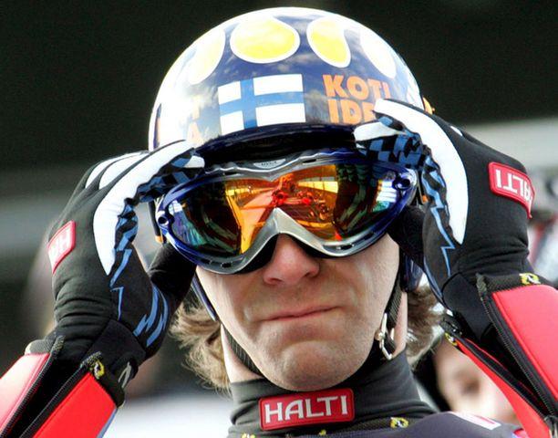 Janne Ahonen omistaa Liberecin mäkiennätyksen.