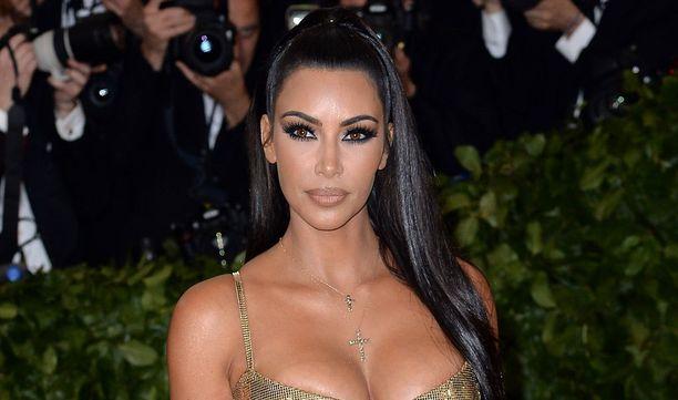 Kim Kardashian on kolmen lapsen äiti.