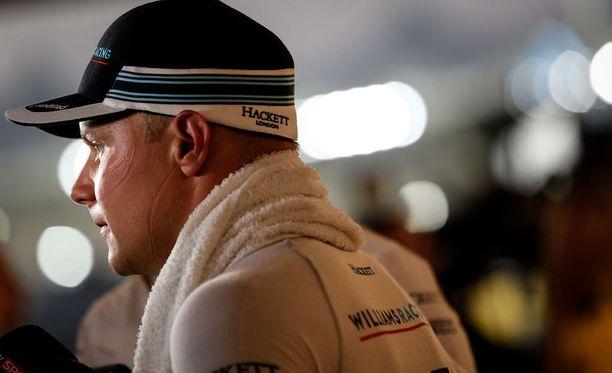 Valtteri Bottas ajaa kaudella 2017 Mercedeksellä.