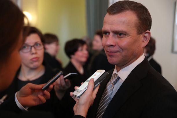 Valtiovarainministeri Petteri Orpo (kok) ilahtui Niinistön velkaantumispuheista.
