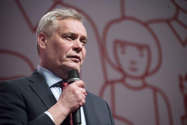 SDP:n puheenjohtaja Antti Rinne ei antanut Sipilän hallitukselle kovin hyvää arvosanaa vappupuheessaan.