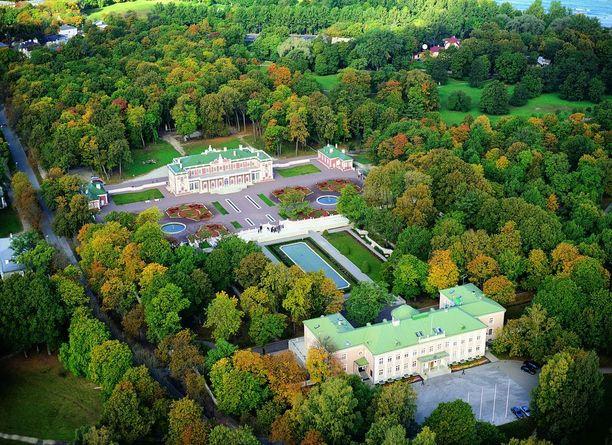 Ilmakuva Kadriorgin palatsista ja sitä ympäröivästä puistosta.