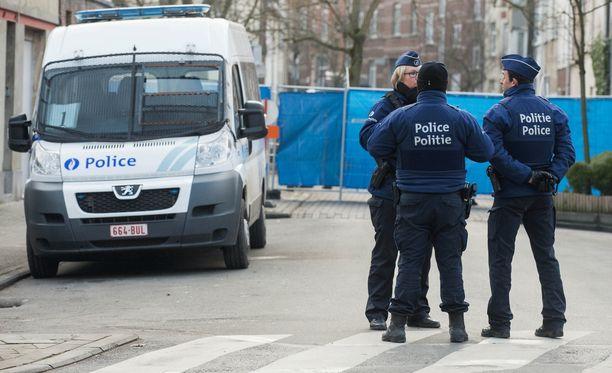 Poliisi rekonstruoi tammikuussa rikospaikan Forestin kaupunginosassa Brysselissä, jossa tehtiin valtava terrorisminvastainen operaatio viime maaliskuussa.