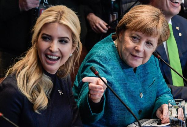Ivanka Trumpin ja Angela Merkelin nähtiin vitsailevan yhdessä.