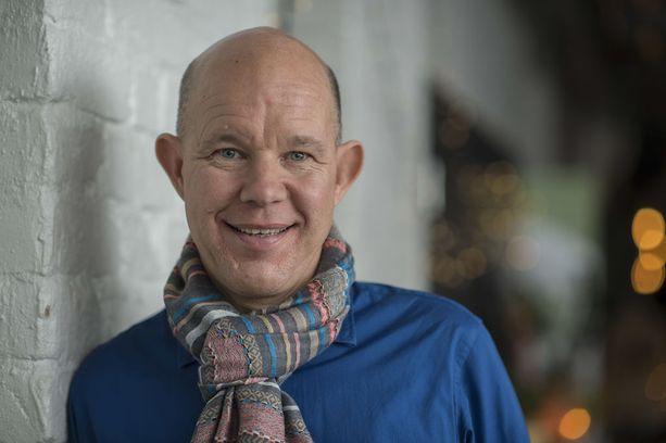 Kaj Kunnas toimi urheilutoimittajana Ylellä viime vuoden kevääseen, jolloin hän sai aivoinfarktin.